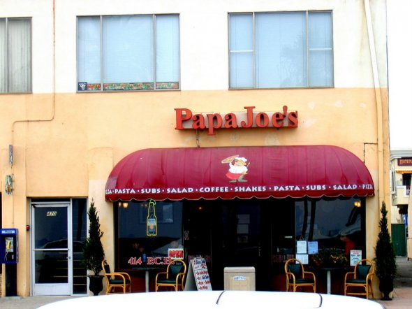 Papa Joe's Pizza in Huntington Beach, California