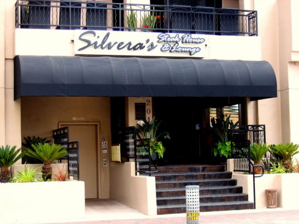 Steakhouse-Lounge_Silveras-003